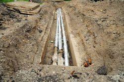 • Terrassement et installation des canalisations